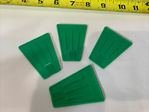 Tinkertoy 4 Flags Green Replacement Parts Plastic Tinker Toy Pieces