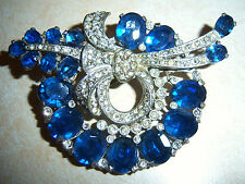 VINTAGE EARLY EISENBERG BOOK PIECE BLUE CRYSTAL RHINESTONE WREATH BROOCH PIN