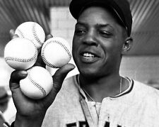 Willie Mays San Francisco Giants UNSIGNED 8x10 Photo