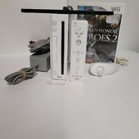 Nintendo Wii White RVL-001 Gamecube Compatible Bundle with Game Remote Cords