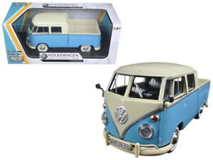 Motormax 79343 VW Type 2 T1 Double Cab Pick Up Truck 1:24 Cream Light Blue