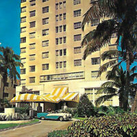 Vintage 1966 Zeiger Ritz Plaza Hotel Postcard Miami Private Beach Swimming Car