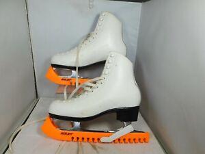 Risport Laser Figure Skates White UK 5.5 EU 39 c/w Bauer Blade Covers