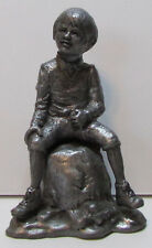 Michael Ricker limited edition Olde English Pewter figurine: boy without flower
