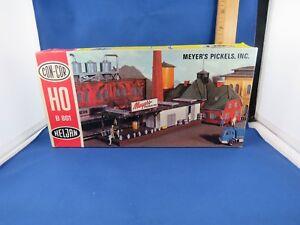 """HELJAN/CON-COR HO U/A """"MEYER'S PICKELS, INC."""" PLASTIC MODEL KIT, B801"""