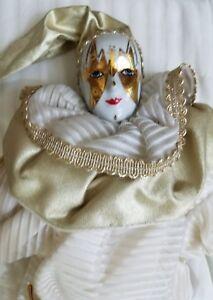 VINTAGE SILVESTRI COLLECTIBLE PORCELAIN HARLEQUIN JESTER GOLD WHITE DOLL