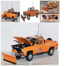 New Revell GMC Pickup Plastic Model Kit Car Truck with Snow Plow 1/24 103 Parts