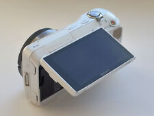 Sony Alpha NEX-3 Body + Flash