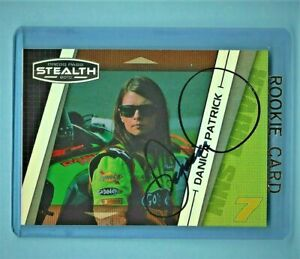 DANICA PATRICK - AUTOGRAPHED ROOKIE CARD - 2010 Press Pass Stealth #41      [f9]