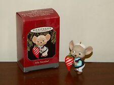 Feliz Navidad MIB 1998 Hallmark Christmas Ornament Mouse w/ Chili Pepper