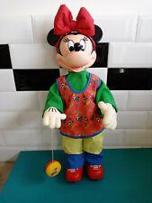 21.06.13.1 Poupée automate Minnie vintage Disney 33cm yoyo