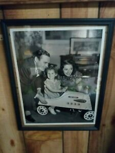 "VINTAGE 30'S JACK BENNY & FAMILY ORIGINAL PHOTO WITH GARTON PEDAL CAR 10X13"""
