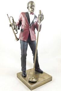 Jazz Musician Figurine - Male Singer