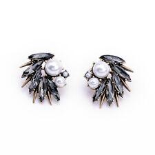 E1807 Women Boutique Hot Gray Crystal Wonders Pearl Swept Away Post Stud Earring