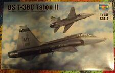 Trumpeter US T-38C Talon II Kit 02876 2014 1:48