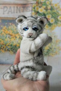 OOAK CROCHETED WHITE TIGER by Alice Bears