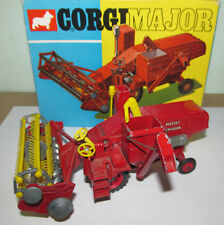 B CORGI MAJOR TOYS 1111 MASSEY FERGUSON 780 COMBINE HARVESTER