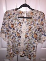 Everleigh Womens Blouse Multicolor White Floral Scoop Stretch Keyhole Lace Top M