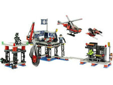 KRE-O Battleship 38974 Battle Base 355 pieces Ages 7-14 NEW