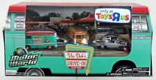 1/64 GreenLight VW Volkswagen  Vee Dub's Drive-In  Toys R Us