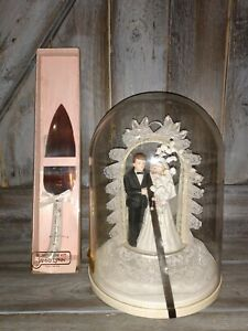 New Vintage Jamie Lynn Wedding Cake Topper with cutting knife