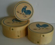 1983 Jacaman Round Wood Nesting Blue Rooster Chicken Boxes Set 3 Country Decor