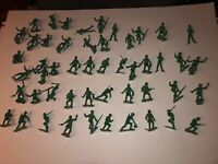 WWII ARMY MEN Soldiers GREEN ARMY MEN VINTAGE 1:32 scale  50 piece lot