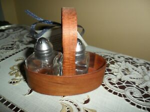 Shaker #0 Fixed Handle Carrier CHERRY WOOD  WITH SHAKERS T W BLANCK