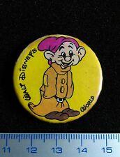 Disney  World SNOW WHITE Pin back DOPEY vintage badge VERY SCARCE! SIMPLET metal
