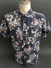 QUIKSILVER Men's Size M Medium Floral Girl Short Slv Button Shirt Modern Fit