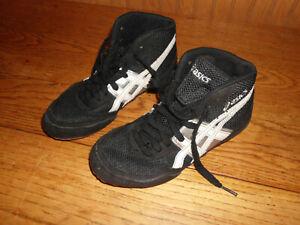 ASICS kids boys girls  black Wrestling Mat Shoes Size 3.5