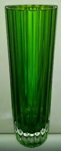 VINTAGE RETRO LIME GREEN CYLINDERICAL RIBBED GLASS VASE.