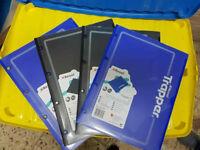 CARTELLINA PLASTICA C/FORI REXEL TRAPPER 2 CF.4PZ (2BLU ,2NERI) COME FOTO