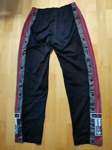 Adidas Knopfhose adibreak Gr. 164 schwarz rot