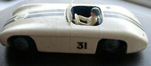 Dinky Meccano Die Cast Model Vehicle 133 Cunningham C-5R Car (Shop Ref D052)