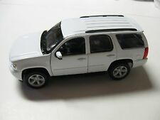 WELLY 1:24 SCALE 2008 CHEVROLET TAHOE LT DIECAST CAR MODEL W/O BOX