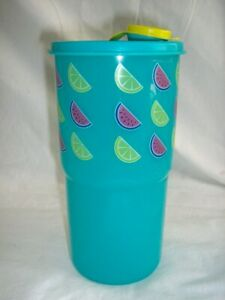 TUPPPERWARE 30 ounce THIRSTQUAKE TUMBLER On The Go Drink/ Pour Seal Aqua Fruit