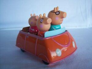 PEPPA PIG CAR & 4 FIGURES - TOMY 2010 (STEERING WHEEL MISSING)