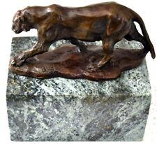 Kleiner Bronze Panther Bugatti auf Marmorsockel mit Künstlersignatur - Nachguss