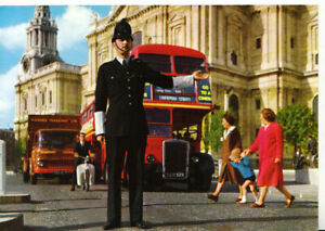 Professions Postcard - Police Officer - Directing Traffic in London - Ref TZ2602