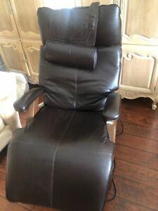 human touch zero gravity chair P-095
