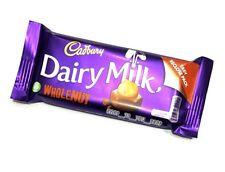 ☘IRISH CADBURY WHOLENUT CHOCOLATE 1 X 55g Bar Ireland Dairy Milk Gift BB 07/18☘☘