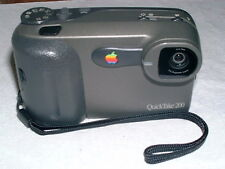 MAC APPLE QUICKTAKE 200 DIGITAL CAMERA VINTAGE APPLE CAMERA M5709 WORKS NO CARD