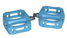 Pedali blu per biciclette