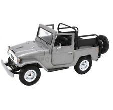 1 24 Toyota Fj40 Silver Motormax Platinum Collection