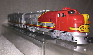 KATO 176-189&194 N scale Santa Fe EMD F3 AB Phase II Pair, Super Condition
