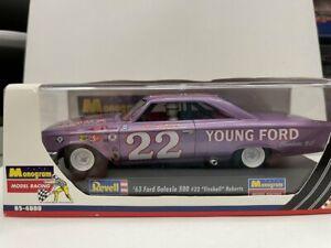 "Monogram 85-4888 1:32 #22 ""Fireball"" Roberts 1963 Ford Galaxies 500 Slot Car"