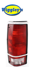 TAIL LIGHT LEFT SIDE GM2800105 FOR 82-93 CHEVY GMC PICKUP (W/CHROME TRIM)