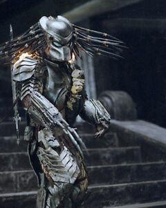 Whyte, Ian [Aliens vs Predator] (28939) 8x10 Photo