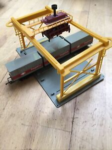 Hornby Freightliner Container Wagon With Lima Container Crane. OO Gauge